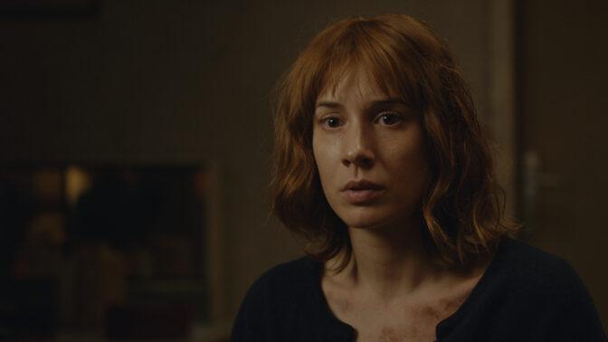 Nový špionážní seriál Bez vědomí je tu: Táňa Pauhofová jako rozmazlená dcera významného disidenta
