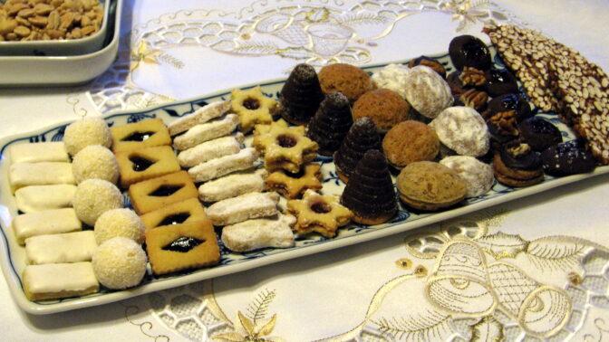 Formičkové vánoční cukroví. Medvědí pracky i plněné košíčky