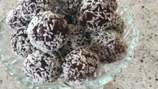Vynikající kokosové cukroví, pečené i nepečené. Recepty na kokosky i kuličky smandlí