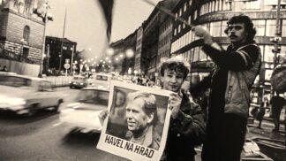 Výstava Havel na Hrad ukazuje cestu našeho nejoblíbenějšího prezidenta od disentu na Pražský hrad