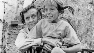 Uběhlo 112 let od narození Astrid Lindgrenové: Syna dala z nedostatku financí do pěstounské péče, Pipi četla dceři před spaním