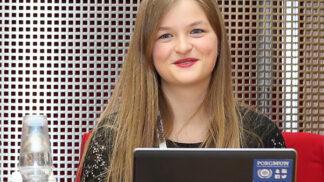 Úspěch české studentky: Sára Davidová se stala nejlepší maturantkou na světě