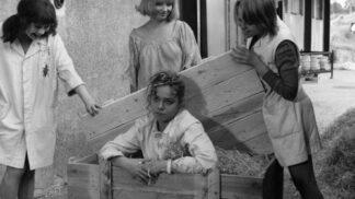 Komedie Holky z porcelánu: První role Dáši Havlové, musela si kvůli ní ostříhat a obarvit vlasy # Thumbnail