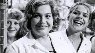 Míla Myslíková, hvězda komedie Holky z porcelánu: Čelila domácímu násilí, pravou lásku poznala až na sklonku života # Thumbnail