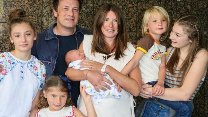 Jamie Oliver přiznal, že jeho syn nechce jíst. Má na něj fintu, kterou odborníci nevidí rádi