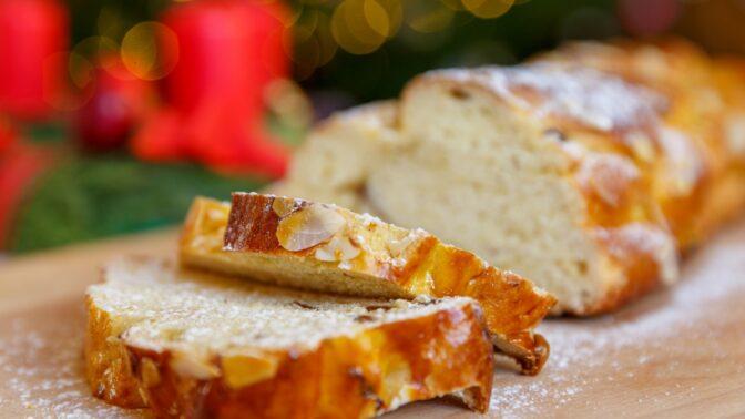 Recept na vánočku a tvarohovou štólu. Tradiční vánoční pečivo, které na svátečním stole nesmí chybět