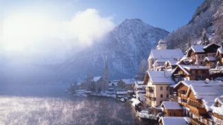 Krásné rakouské město Hallstatt ničí fanoušci filmu Ledové království