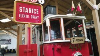 Nejhezčí pražské tramvaje. Podívejte se na nejzajímavější exponáty v muzeu MHD