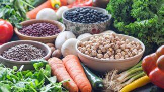 Průzkum potravinových řetězců: Kde seženete nejvíce rostlinných produktů a kde naopak s tímto sortimentem šetří?