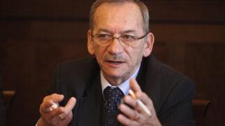 Nedávno zesnulý předseda senátu Jaroslav Kubera by dnes oslavil 73. narozeniny. Jaký byl?