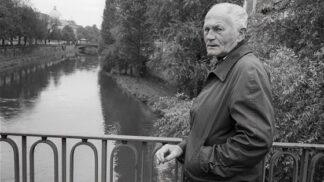 Spisovatel Bohumil Hrabal zemřel před 23 lety: Na pivo chodil s Havlem i Clintonem, nakonec vypadl z okna nemocnice # Thumbnail