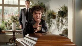 Horší než smrt: Černá komedie o tom, že v rakvi je už každý za dobráka