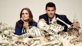 """Ze zákulisí seriálu Sběratelé kostí: Tvůrci se inspirují na farmách, kde vědci """"poházeli"""" stovky lidských těl"""