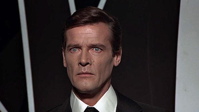 8 důvodů, proč byl Roger Moore nejlepším Jamesem Bondem ze všech