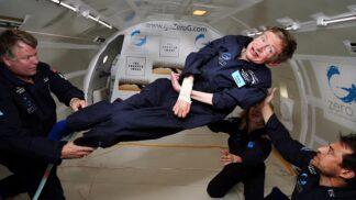 Před dvěma lety zemřel vědec Stephen Hawking: Lékaři mu dávali dva roky, nakonec se smrtelnou chorobou bojoval 55 let