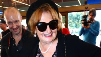 Oblíbená česká herečka Eva Holubová slaví 61. narozeniny: Léčila se ze závislosti na alkoholu, propadala depresím, nyní je šťastná