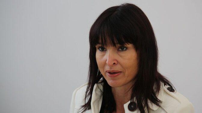 Před devíti lety tragicky zemřela spisovatelka Simona Monyová. Manžel ji znásilňoval a krutě bil
