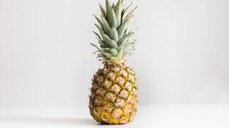 A tuhle vánoční tradici znáte? Světem hýbe zdobení ananasu