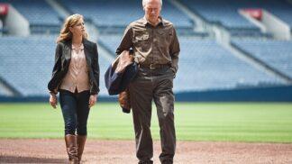 Sportovní film Zpátky ve hře: Poslední role Clinta Eastwooda, Sandra Bullock odmítla hrát jeho dceru