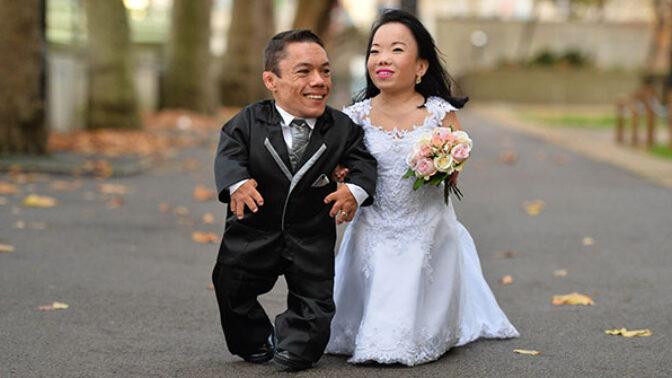 Neměří ani metr, ale jejich láska je nekonečná. Nejmenší manželský pár světa se poznal na internetu