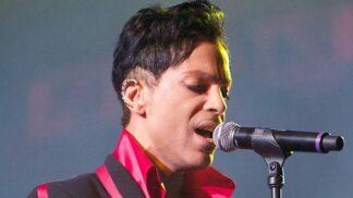 Čtyři roky od smrti zpěváka Prince: Stal se Jehovistou, odmítal se léčit s AIDS a věřil, že ho zachrání Bůh