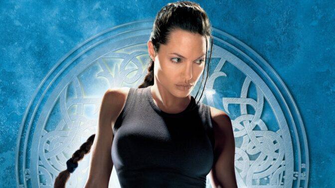 Sexy hrdinka Lara Croft: Bujné poprsí má omylem, příjmení vybrali náhodně z telefonního seznamu