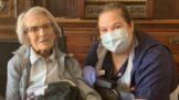 Connie, Vera a Cornelia: Dohromady jim je přes 300 let a porazily koronavirus. A nejen ony