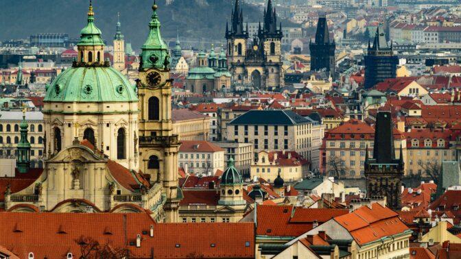 Jaro přineslo uvolnění protikoronavirových opatření. Kam v Praze o víkendu vyrazit?