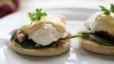 Thumbnail # Ztracené vejce uvařené v potravinářské fólii. Jednoduchý trik pro začátečníky, jak si připravit skvělou snídani