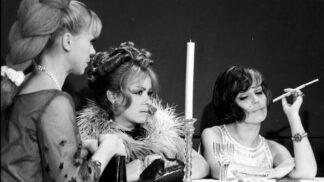 Legendární komedie Světáci: Chybělo málo a film skončil v trezoru. Menšík a Bohdalová zažili na place perné chvilky # Thumbnail