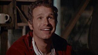 M.A.S.H: Kapitána McIntyra neměl nikdo rád. Byl konfliktní a vedl dvojí život # Thumbnail