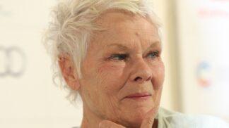 Věk ji nezastaví. Herečka Judi Dench se v 85 letech stala nejstarší modelkou na obálce časopisu Vogue
