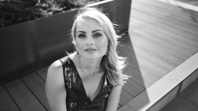 Bára (40): Žiji ve zlaté kleci. Mám bohatého partnera, děti, luxusní domov a jsem strašně nešťastná