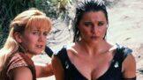 Thumbnail # Bájná Xena: seriál stvořil z herečky Lucy Lawless lesbickou ikonu. Její kůň ji při pádu těžce zranil