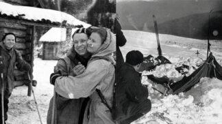 Thumbnail # Záhadná smrt Ďatlovovy výpravy: Nahá těla se známky radiace se našla poházená ve sněhu