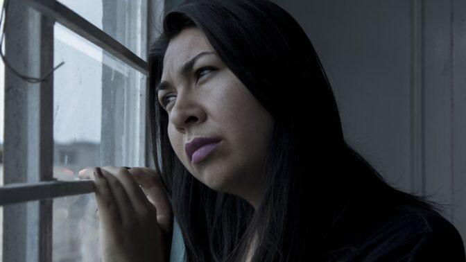 Helena (36): Přítel mi ubližuje a já každý večer slyším hlasy. Říkají, ať ho nechám jít
