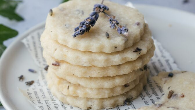Levandule v kuchyni: Připravte si levandulovou zmrzlinu nebo lahodné sušenky