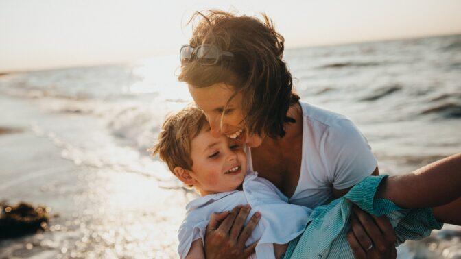O prázdninách zvolněte: Jak být (nejen) v létě dobrým rodičem?