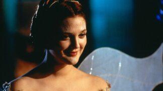 Thumbnail # Věčný příběh: střevíčky pro Drew Barrymore vyrobil Salvatore Ferragamo…