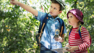 Thumbnail # Doba letních táborů a prázdnin u babičky: Co říká známý psychiatr na pobyty dětí bez rodičů?