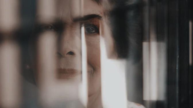 Alžběta (66): Vidím něco, co ostatní ne, působím jako blázen, proto o svých zážitcích už raději mlčím