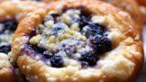 Šťavnatá chuť léta: Připravte si nadýchané borůvkové koláče