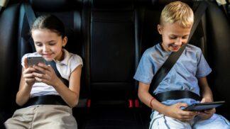 Cestování s dětmi v autě: Jak je připravit na delší cestu?