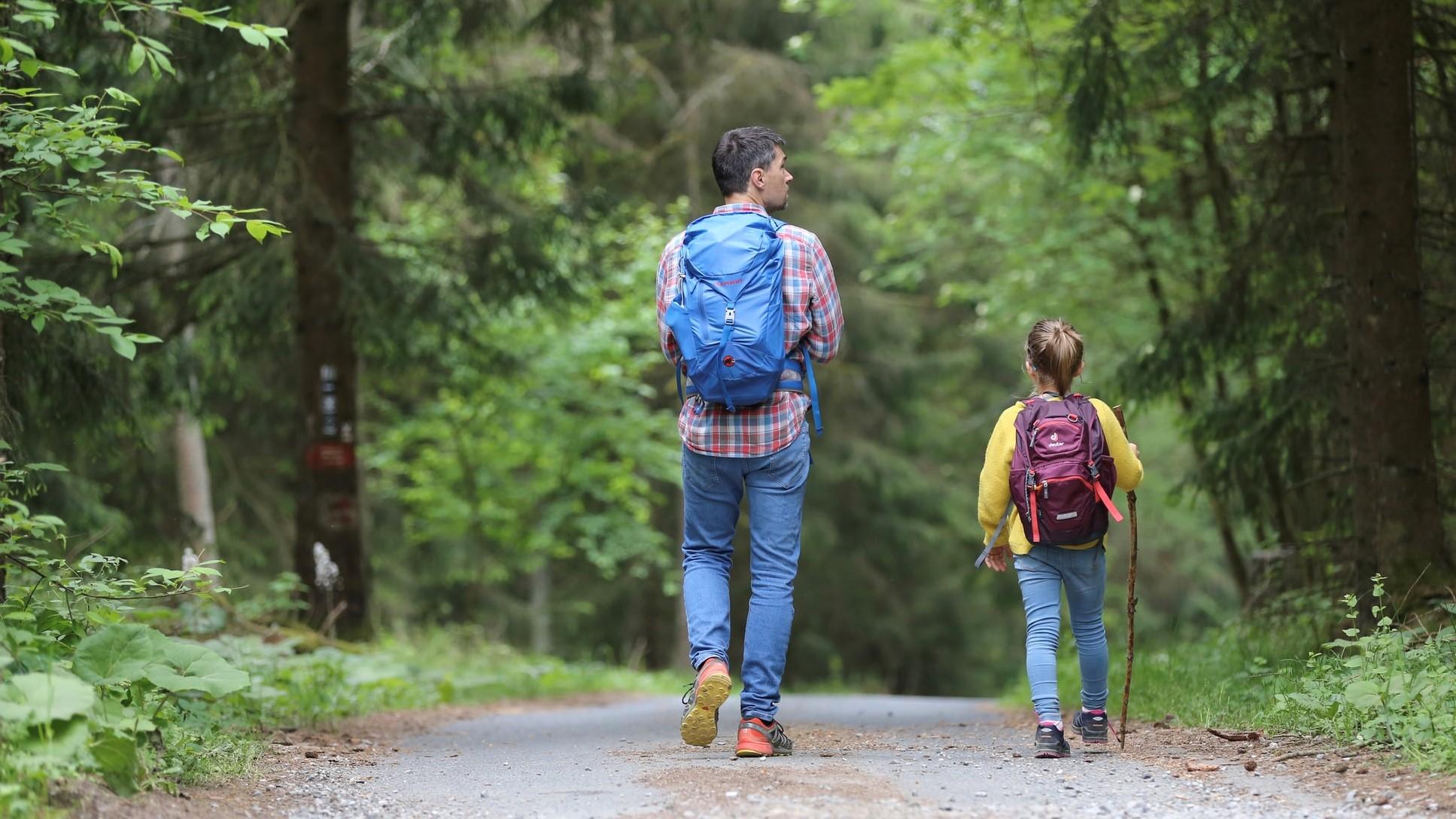 Thumbnail # Praktické batohy i batůžky pro malé výletníky: Jak vybrat dětský batůžek na výlet i dovolenou?