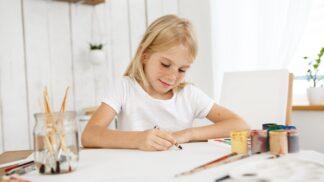 Věčné dilema: Poznáte, od kdy už může dítě zůstat doma chvíli samo?