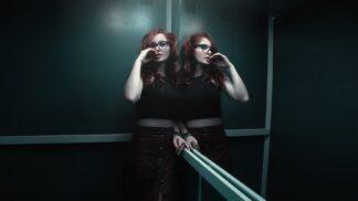 Barbora (30): Hodina s přítelem v zaseknutém výtahu stačila na to, abychom se rozešli