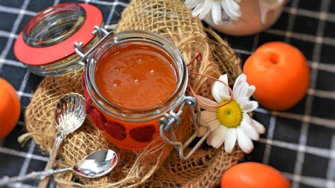 Co s úrodou chutných meruněk? Zkuste domácí meruňkovou marmeládu jako od babičky
