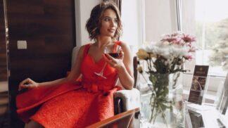 Olga (36): Našla jsem si vyléčeného alkoholika, v jeho přítomnosti si nemůžu nalít ani skleničku vína