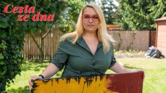Thumbnail # Většinu světa znám jen z internetu, říká plzeňská malířka, která trpí sociální fobií