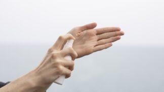 Nepříjemné důsledky klopýtnutí: Jak urychlit hojení bolestivých odřenin a škrábanců?